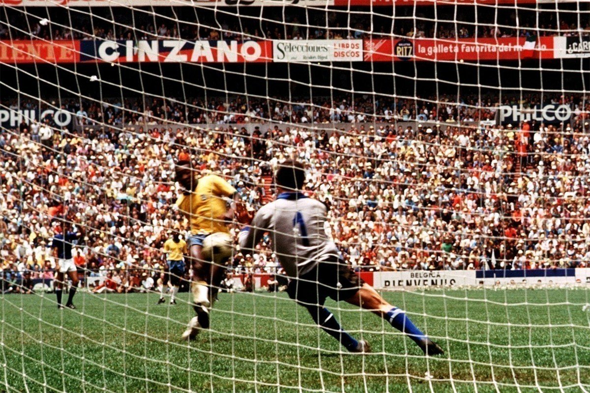 Pele shoots in the World Cup Final