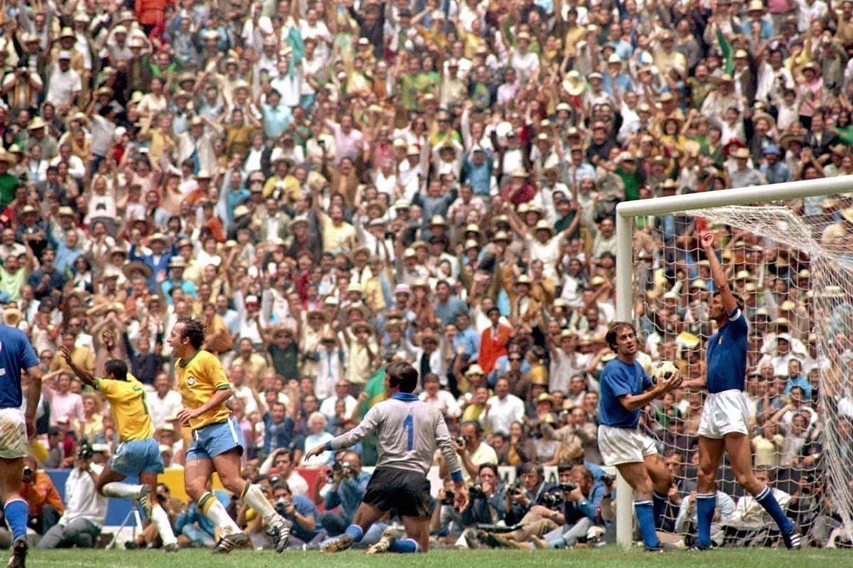 jairzinho brazil v italy 1970