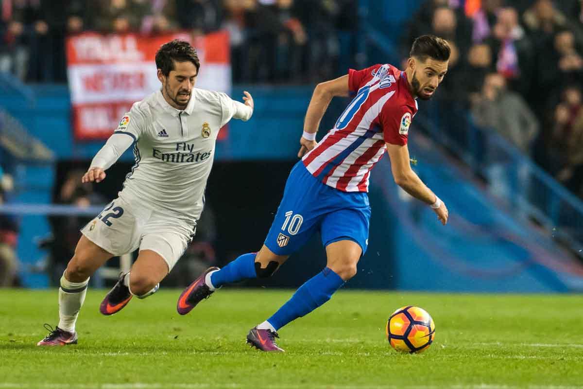 Yannick Carrasco, Chelsea target