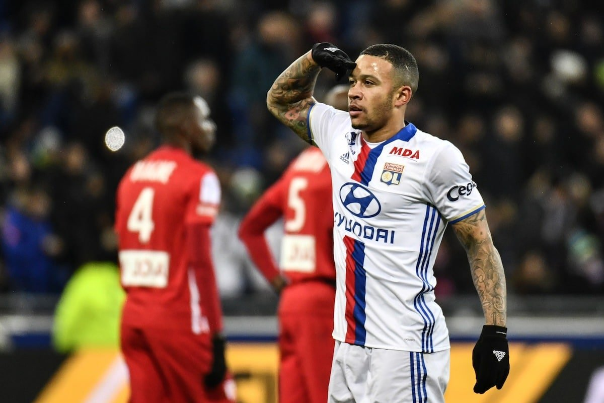 Lyon's Dutch forward Memphis Depay celebrates after scoring a goal during the French Ligue 1