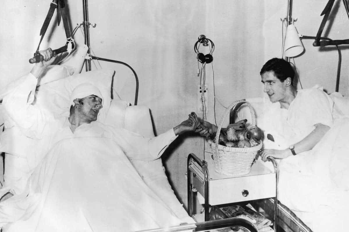 Dennis Viollet and Albert Scanton irecovering at Isar Hospital Munich