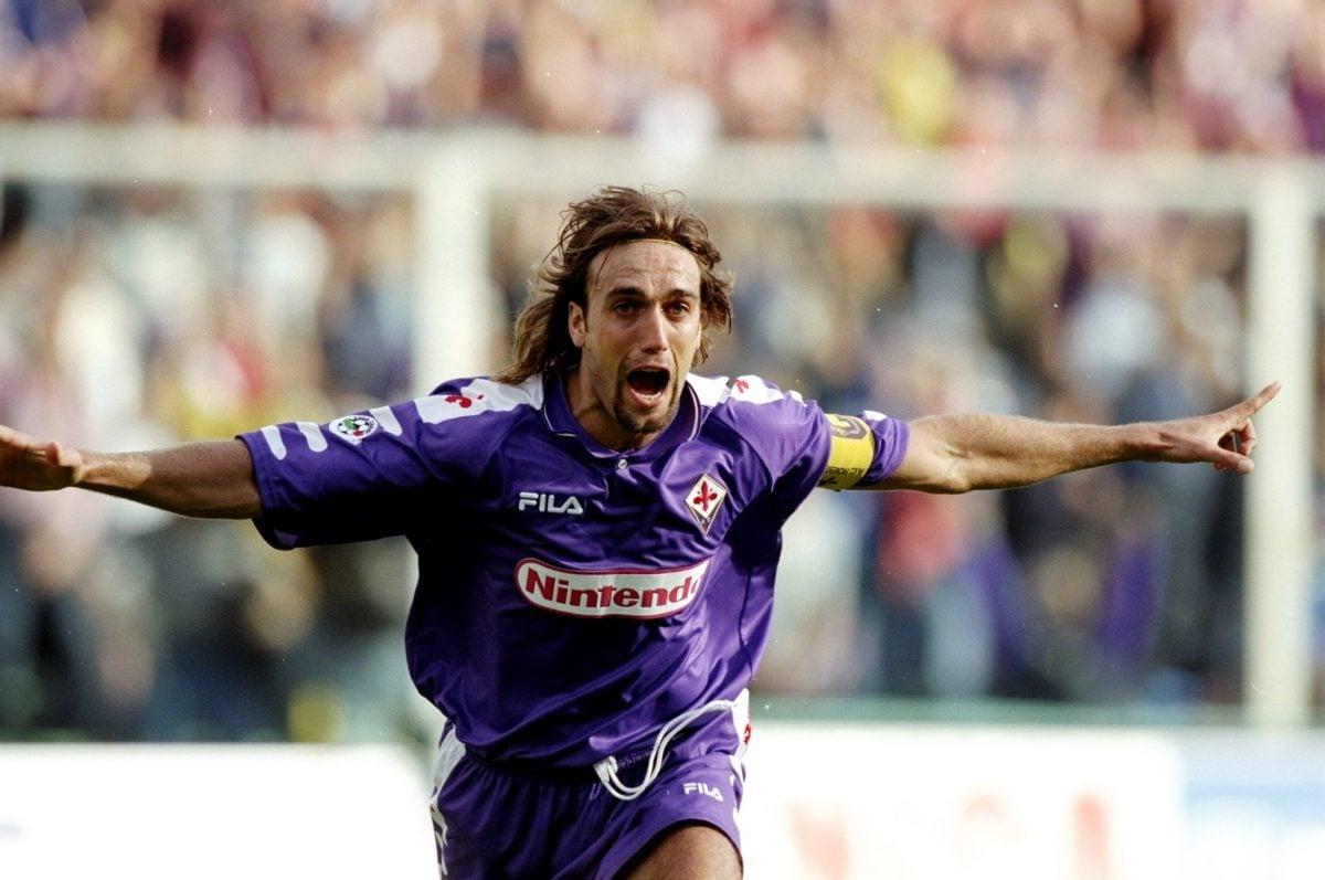 Gabriel Batistuta in action for Fiorentina - retro Serie A kit