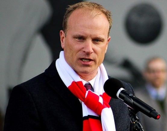 Dennis Bergkamp FM coach